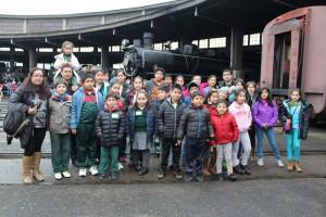 Más de 70 niños de Pucón visitaron el Museo Ferroviario Pablo Neruda