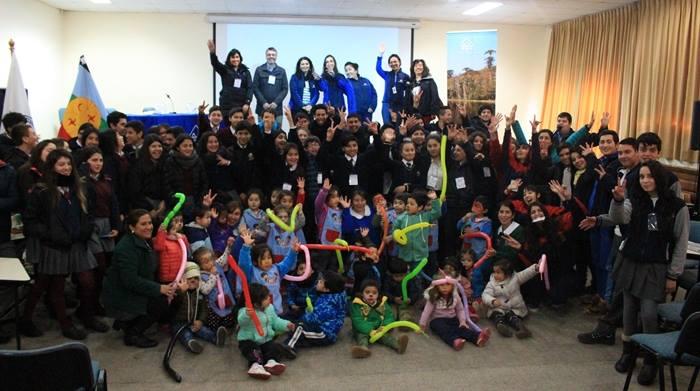 """En Pucón realizan las """"Primeras Olimpíadas Ambientales"""" para acercar el conocimiento a la ciudadanía y comunidad escolar"""