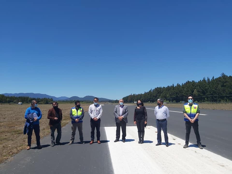 Directora Nacional visitó avance de obras en Aeropuerto de Pucón