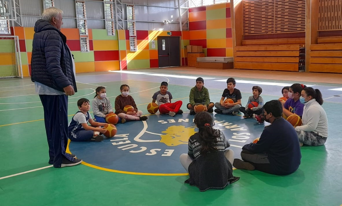 Municipio de Pucón fortalece el Básquetbol Escolar