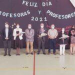 Municipalidad de Pucón entrega reconocimientos a profesores de escuelas municipales